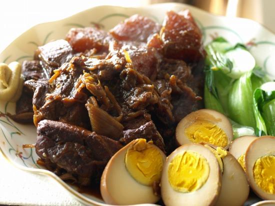 Oisix(おいしっくす)の魚沼健康豚バラブロック&卵で豚の角煮