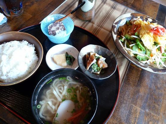 【横浜 沖縄料理】山下公園近く「うるうるま」ゴーヤチャンプル