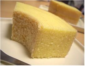 クラブハリエのバウムクーヘンは、しっとり卵の味がするバウムクーヘン。
