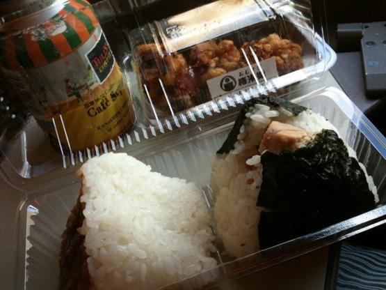 【静岡浜松旅行その1】おむすび「権米衛」の朝ご飯