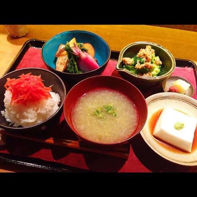 イチカワヨウスケさんのお店。なると屋。鎌倉で私が一番すき...