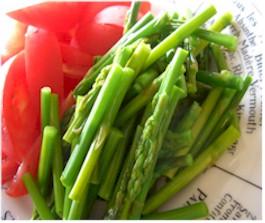ふぞろいな野菜/細い細いアスパラガス/おいしっくす(オイシックス/Oisix)