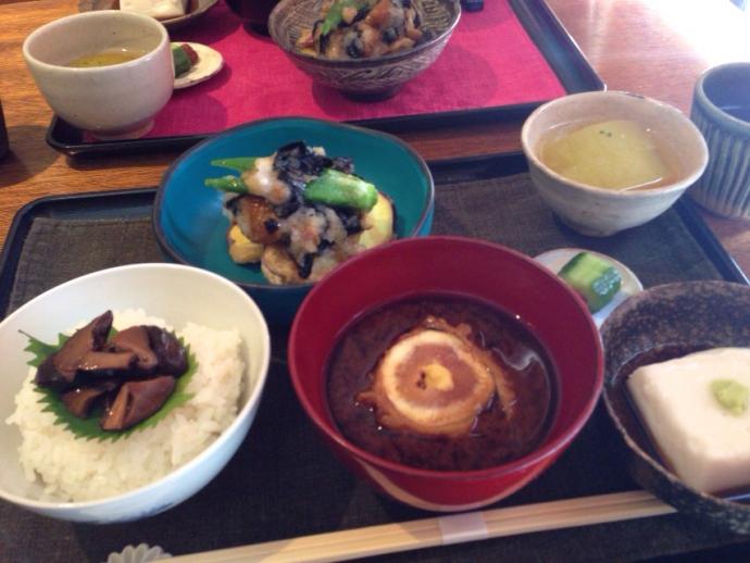 鎌倉野菜のランチ 鎌倉なると屋+典座 9月のご飯 無花果のお椀
