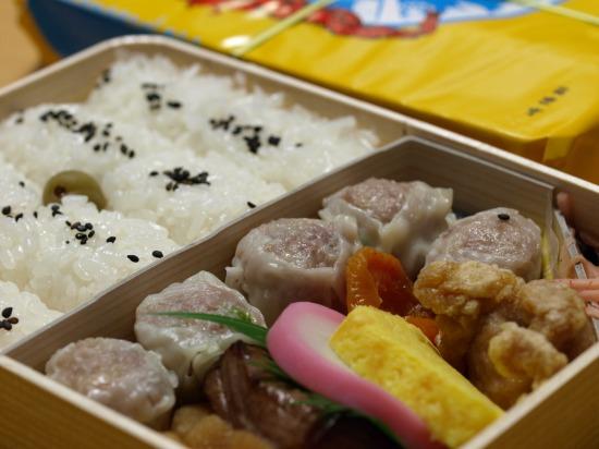 横浜の定番お弁当といえば崎陽軒 シウマイ弁当