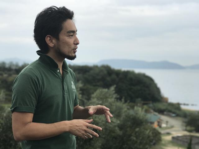 樹齢千年のオリーブの木とオリーブオイルについて学ぶin小豆島ヘルシーランド[オリーブを五感で楽しむ香川・小豆島の旅(3/10)]