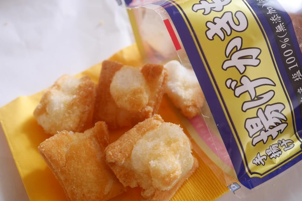 【PR】ベイシア、新潟県産もち米「わたぼうし」100%。もち米の味が楽しめる揚げかきもち(塩味・しょうゆ味)