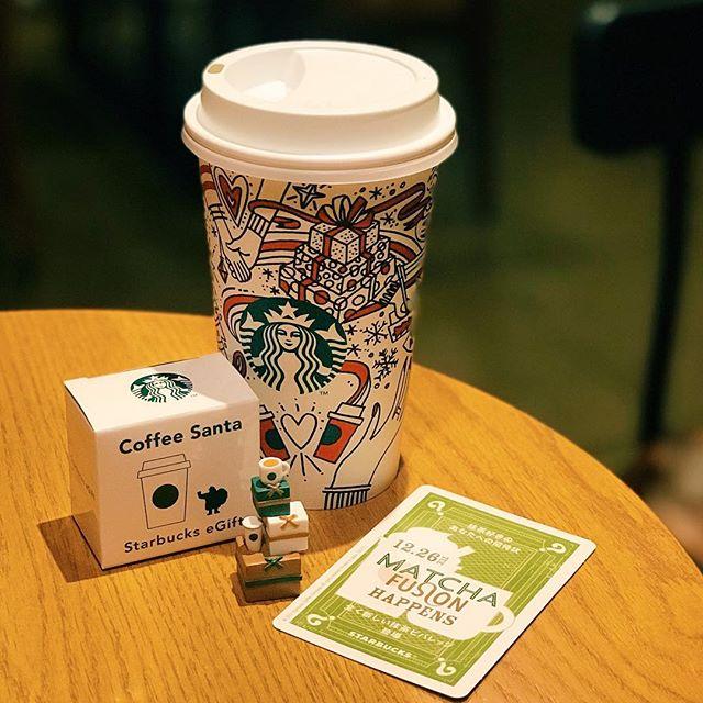 #1226抹茶フュージョン のカードもらった!これ裏もしかしてトランプになってるの? 抹茶好きには26日からもたのしみ!ただワタシのヒントカードにある言葉がほんとだったらワタシ飲めないなぁ。#coffeesanta はダブったけど、両側に飾るから問題なし♩#starbucks #スタバ #スタバ好き #스타벅스 #星巴克 #starbuckscoffee #cafe #카페 #스벅 #별다방 #スタバ好きと繋がりたい #抹茶好き #朝スタバ#抹茶ホワイトラテ#ホワイトモカシロップ少なめ【Instagram】